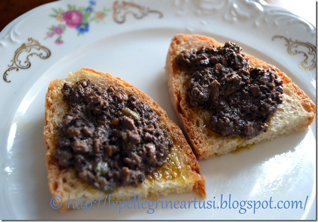 crostini neri