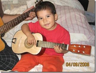 080904 Thu Haciendo musica con Tatu (2)