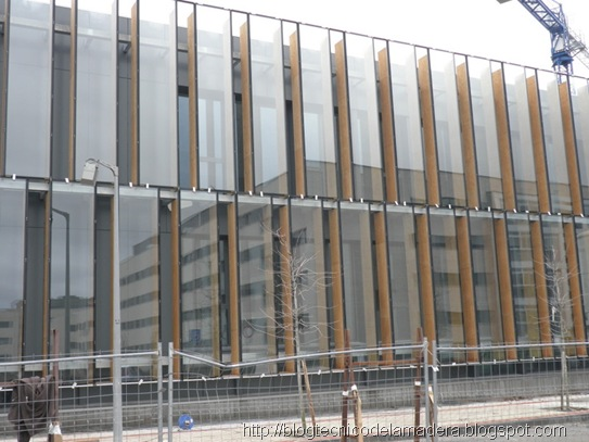 kerto-fachada-madera-microlaminada-vidrio (4)