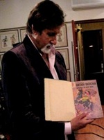 Amitabh with 1st Ever Supremo Comics (c) aniamit.blogspot.com