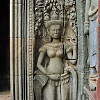 Thommanon 3906 Thommanon Temple   Khmer Devata at the Gate of Victory