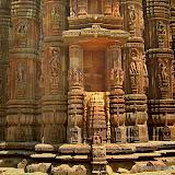 A-Rajarani-temple-05.jpg