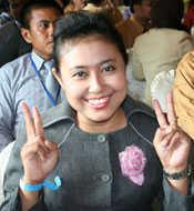 SQ Vaganza, Tri Rahayu Susanti - Teller