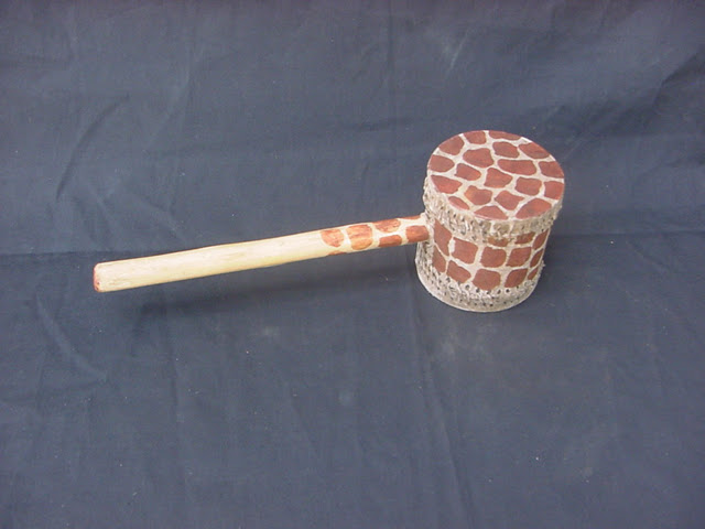 GIRAFFE DESIGN SHAKE DRUM