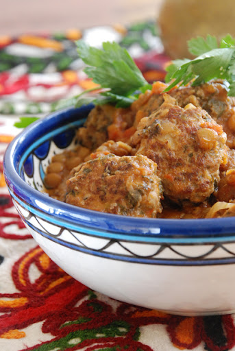 meatballs with tomato sauce and lentils