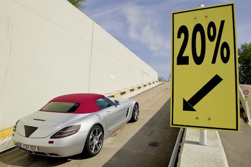 Mercedes-SLS-AMG-Roadster-06.jpg