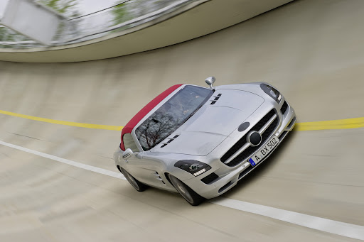Mercedes-SLS-AMG-Roadster-02.jpg