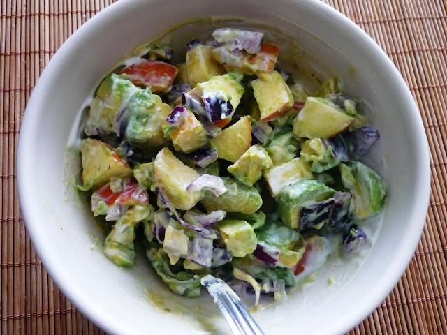 http://lh3.ggpht.com/_IKZcpf_vKaA/S6pwuAr0HuI/AAAAAAAAAr4/QmyYn8o_aYQ/s640/salade%20avocat%20pomme.JPG