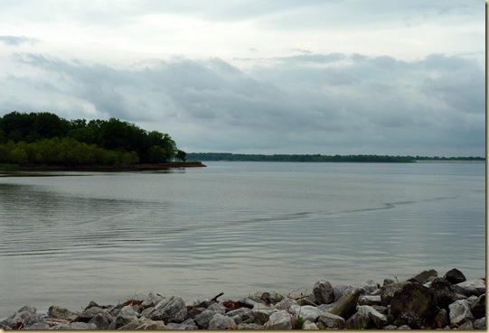 2010-05-01 -3- IL, Carlyle Lake - 1001