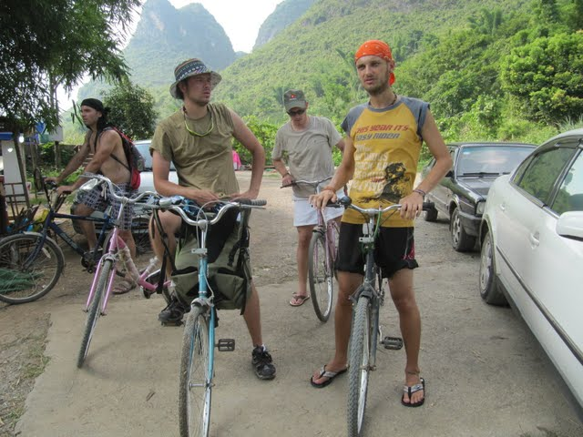 Bike trip to Dragon bridge in Yangshuo