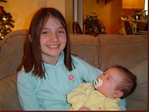 Hannah - Xmas 2005 w Macy 014