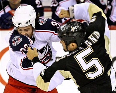 Doug Lynch vs Deryk Engelland