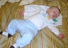 Sleepy Baby 2009-04-02 001