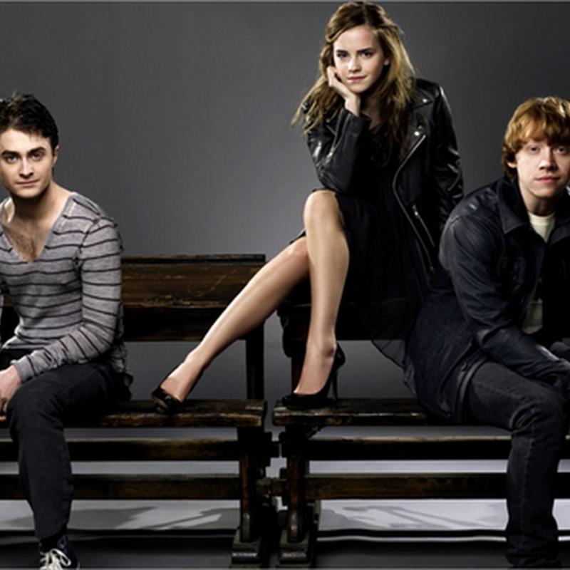 Actores representando sus personajes