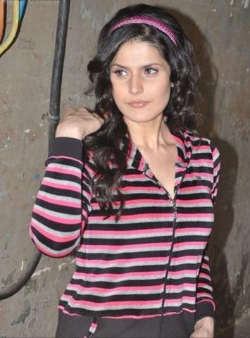 zarine khan bikini. Actress, Zarine Khan