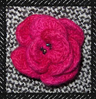 rosa feltre A felted flower brooch