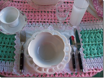 pink and green table 004