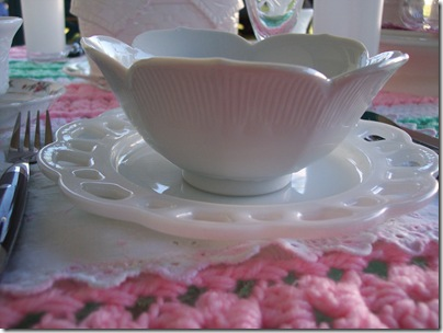 pink and green table 010