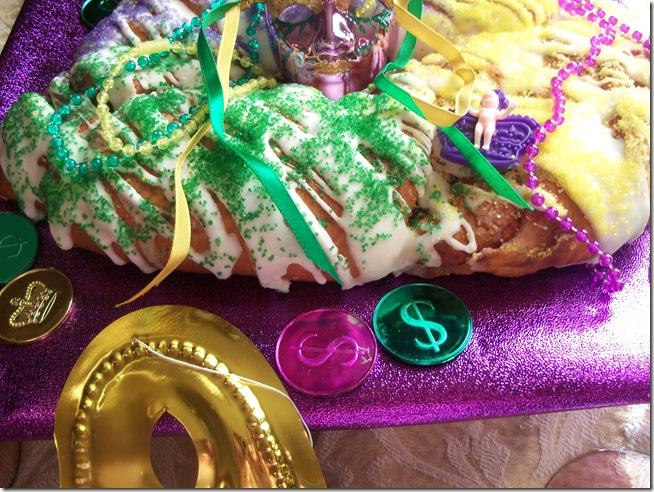 Mardi Gras tablescape 017