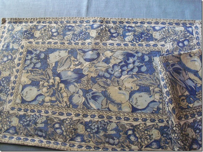 Blue chintz table with food 001