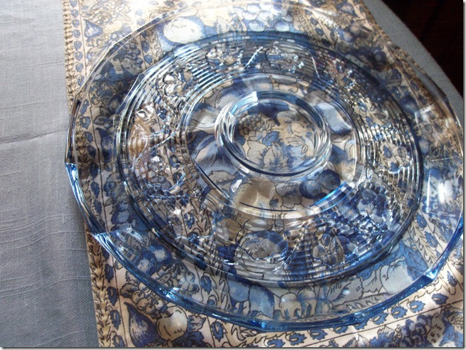 Blue chintz table with food 003