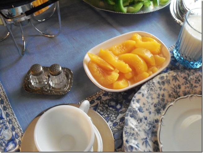 Blue chintz table with food 041