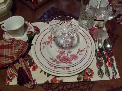 [red rose restaurantware 002[2].jpg]