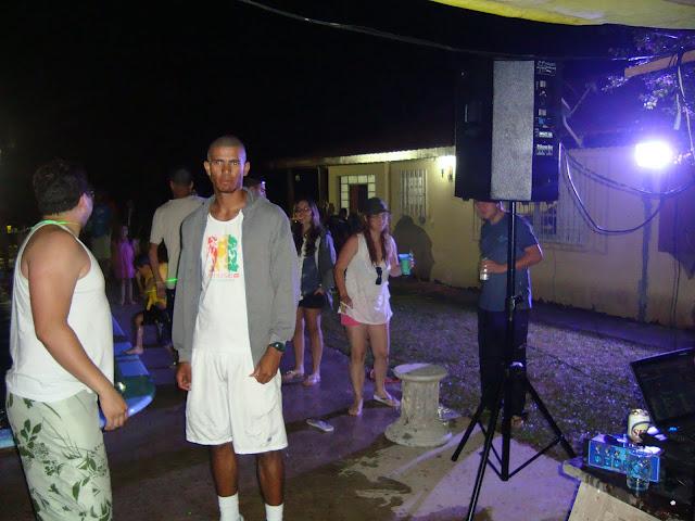 Fotos e comentarios sobre a festa MC 2010 Embu-guaçu - Página 4 DSC01050