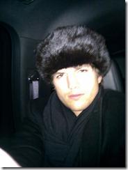 Эштон Кутчер в России фотографируется для своего блога
