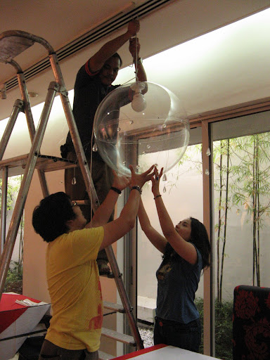 Dan (Twisted Fork) + Dang installing the Hot Shower
