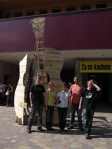Tomek Wenklar i jego drużyna przed GITARĄ