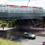 Mitxel Atrio /06-08-2010/ Bilbao. Puente en obras de cubrimiento en la calle Julián Gayarre.