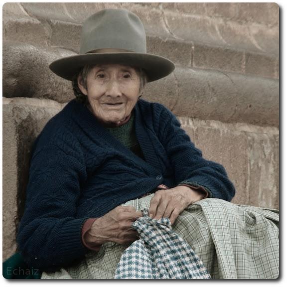 old lady peru