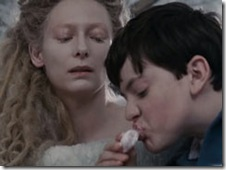 Jadis tempts Edmund by appealng to his gluttony, giving him his favourite candy, Turkish Delight and promsing him even more!