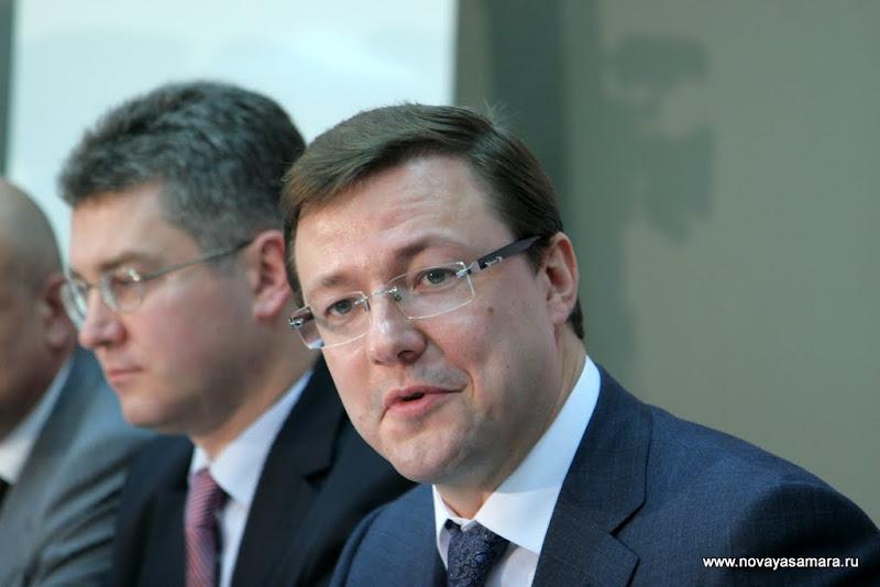 Первая пресс-конференция Дмитрия Азарова и его заместителей