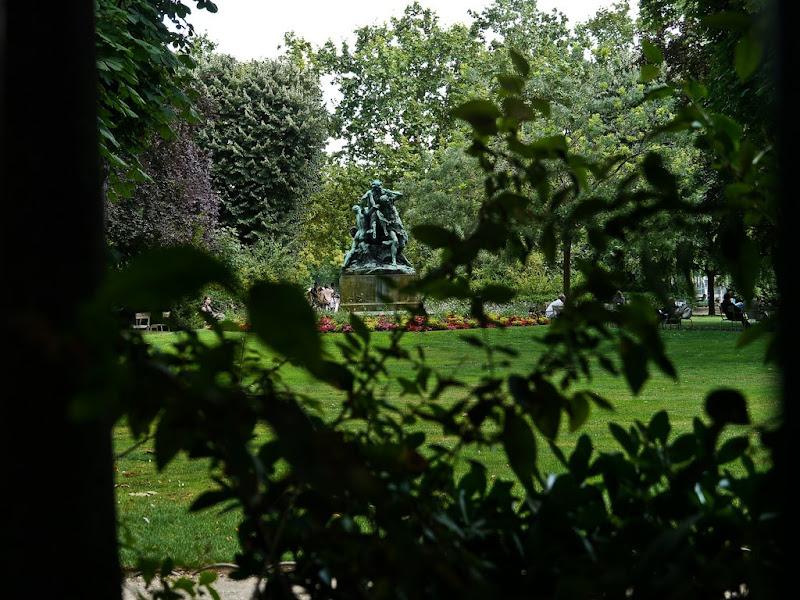 Paris: Jardins - Facades P1000533