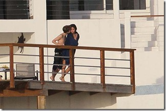 Justin Bieber and Selena Gomez Kissing fedoce 4