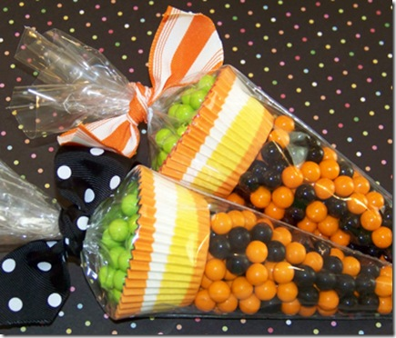 Halloween Polka Dot Cupcakes Close 3
