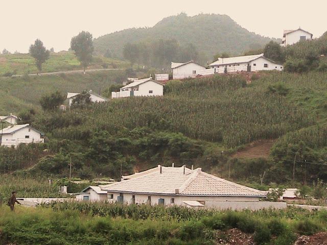 Fotos de las Crónicas de Un Viaje a Corea Pueblos%20en%20las%20monta%C3%B1as%20%283%29