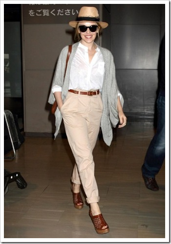 Kylie-airport_1878354a
