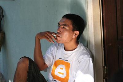 isnaini blogger, pendapatan isnaini,blogger kaya, isnaini blogger indonesia, little steps of isnaini, isnaini blogger helper
