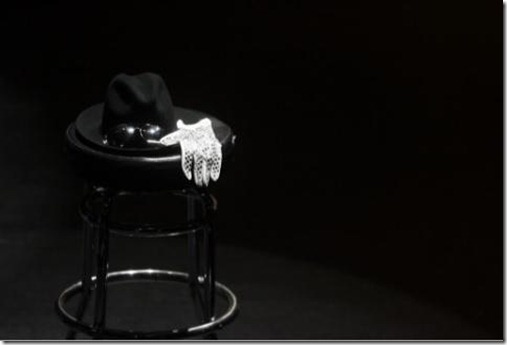 Michael_Jackson_Hat-and-Glove
