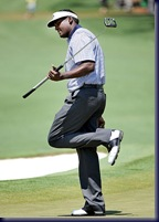 vijay singh injured leg