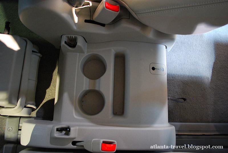 Toyota Sienna  XLE 2011