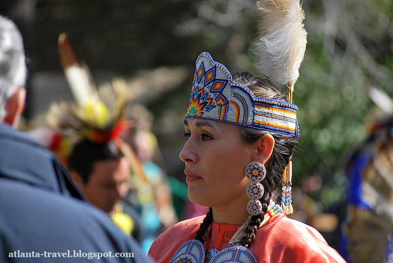 Индейские женщины на Пау-Вау фото
