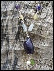 close up pendant multi