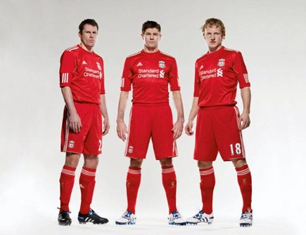 Liverpools-new-home-kit-Carra-Stevie-G-and-Dirk
