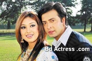 Bangladeshi Actress Apu Biswas-17