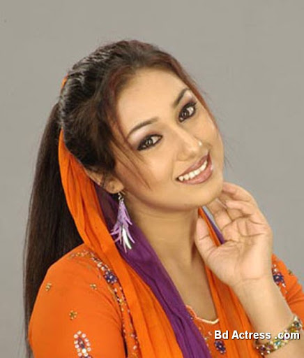 Bangladeshi Actress Apu Biswas Photo-02