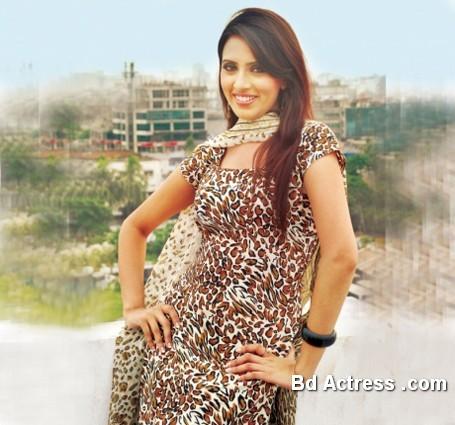 Bangladeshi Actress Mim-10